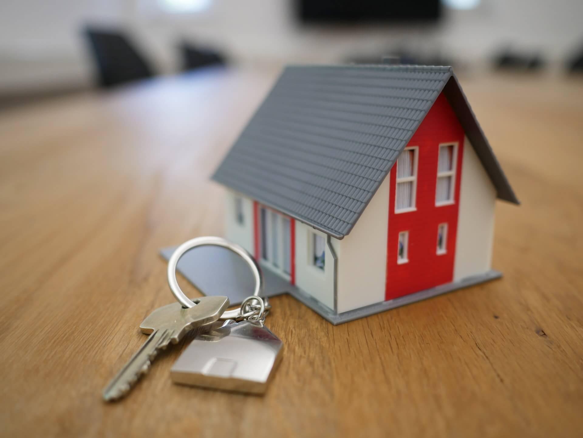 tiny home and keys